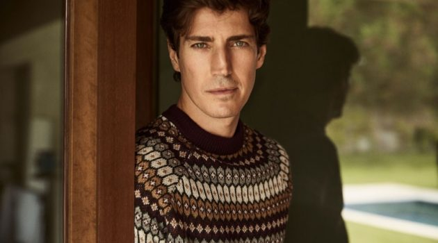 Front and center, Oriol Elcacho dons a fairisle sweater from Pedro del Hierro.