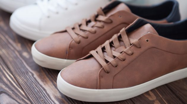 Closeup Men's Brown Sneakers