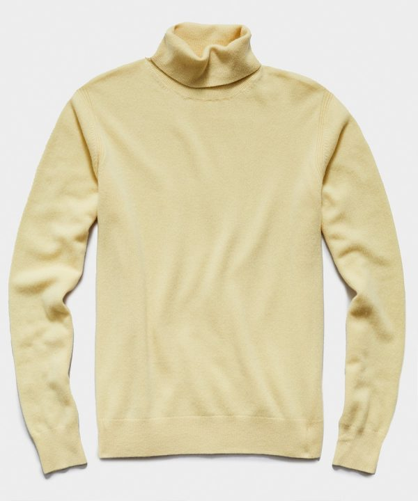 Cashmere Turtleneck in Pale Yellow