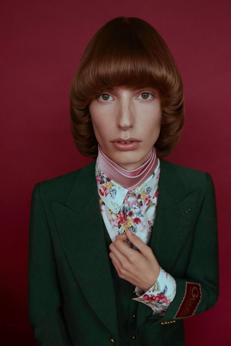 Casper Channels '60s Style for Wonderland