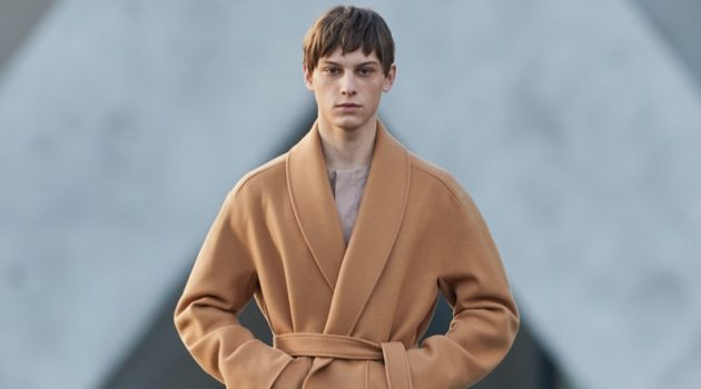 Ermenegildo Zegna Hits the (Re)set with Relaxed Shapes