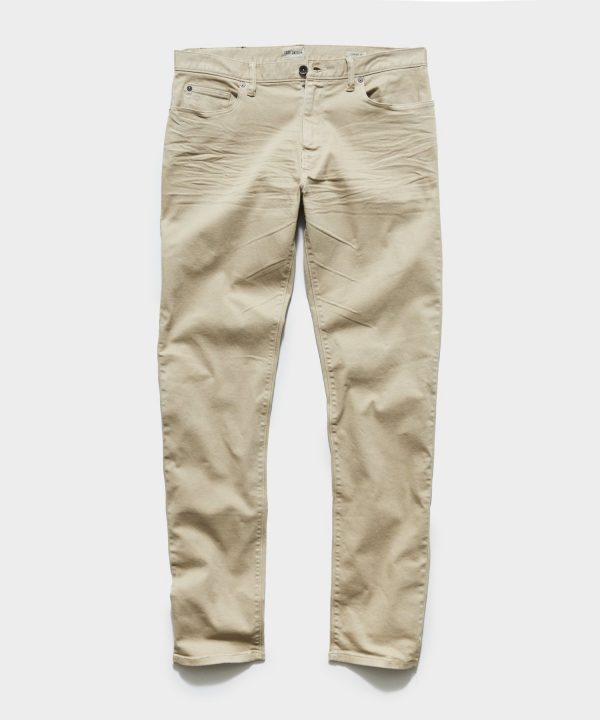 STRAIGHT FIT 5-POCKET CHINO IN CASUAL KHAKI