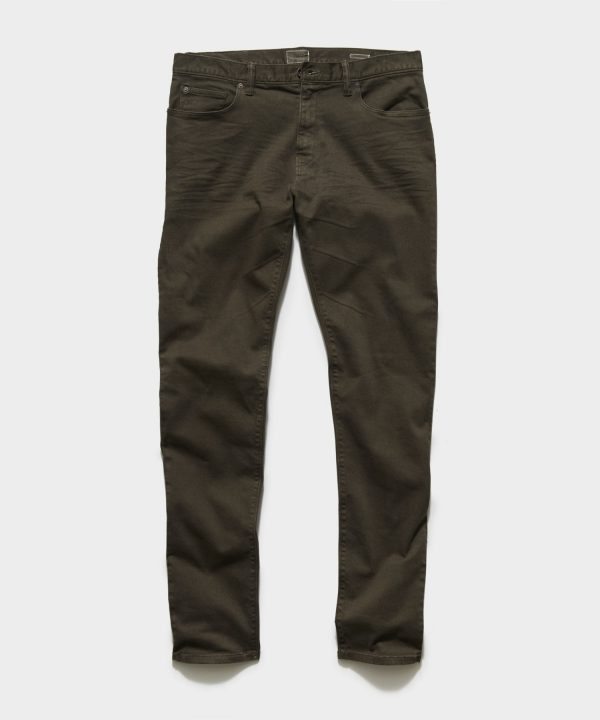 STRAIGHT FIT 5-POCKET CHINO IN SURPLUS OLIVE