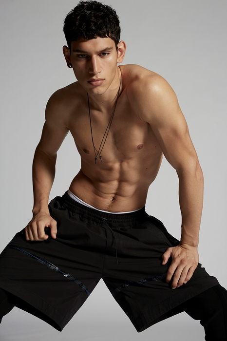 DSQUARED2 Men Shorts Black Size XL 97% Cotton 3% Elastane