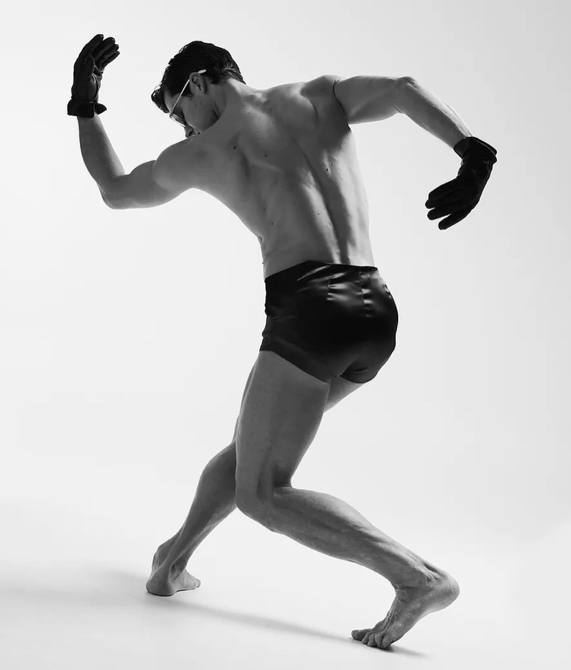 Roberto Bolle Shows His Best Moves for Numéro Homme Russia