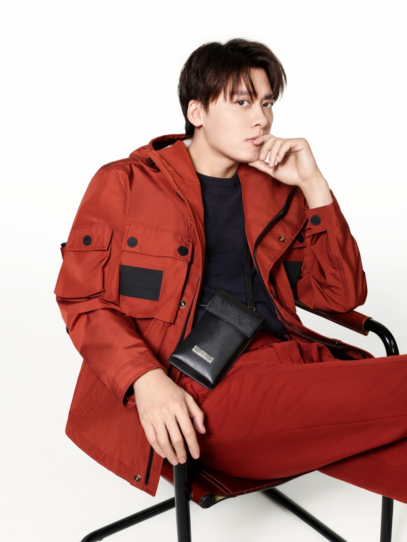 Li Yifeng sports a red casual look for BOSS's spring-summer 2021 men's campaign.