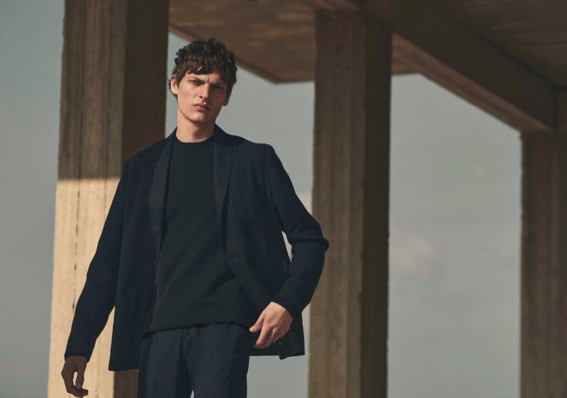 Valentin Caron dons a 100% linen overshirt for Massimo Dutti's Limited Edition spring 2021 campaign.
