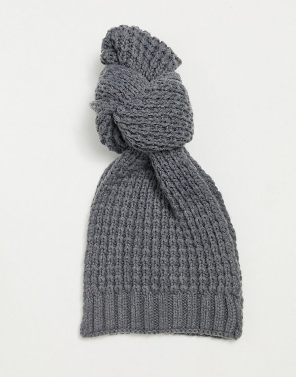 ASOS DESIGN knitted scarf in gray-Grey
