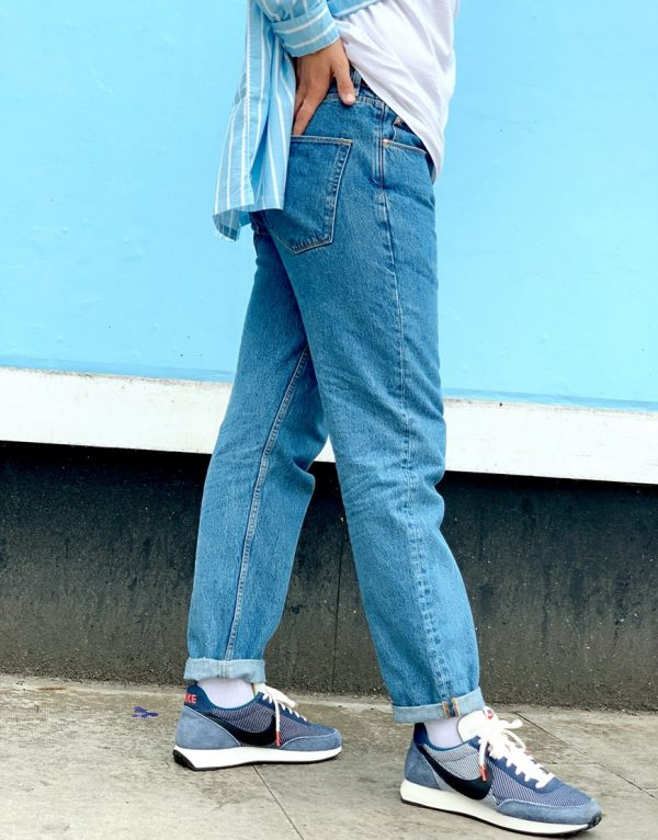 ASOS DESIGN straight crop jeans in mid wash blue-Blues