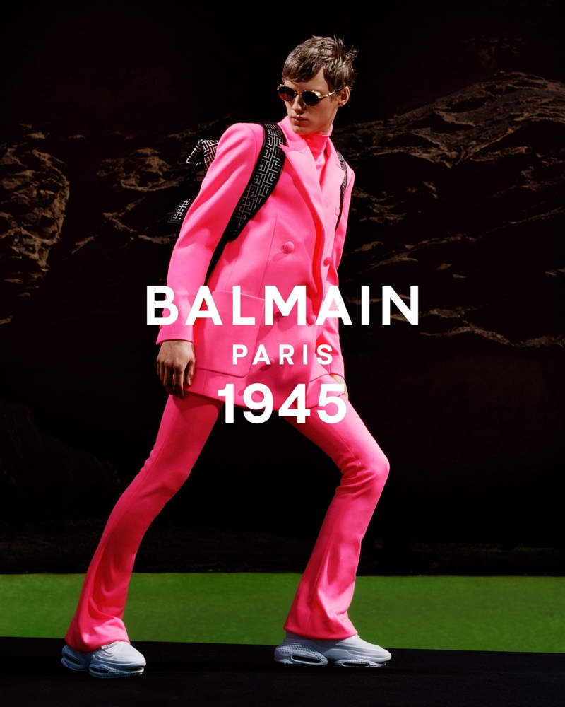 Rocking a hot pink look, Braien Vaiksaar fronts Balmain's spring-summer 2021 men's campaign.