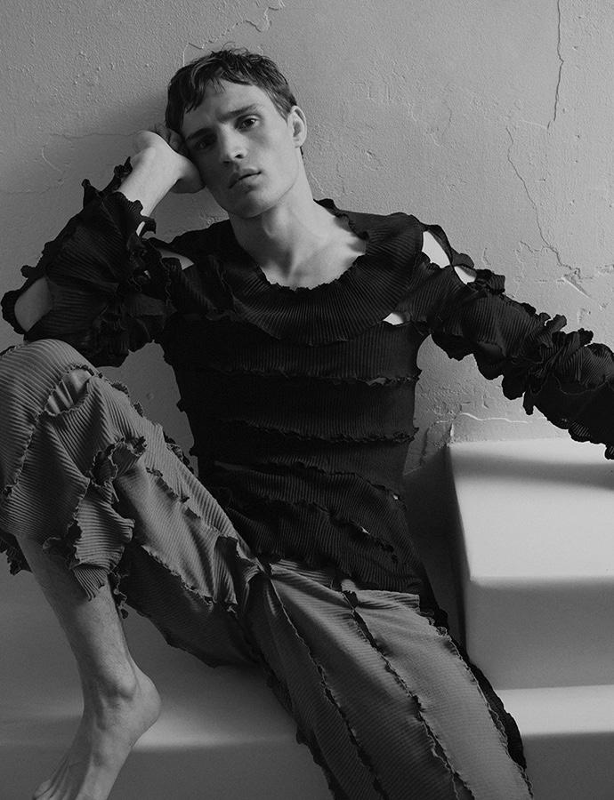 Julian Schneyder Stars in Les Hommes Publics Cover Story