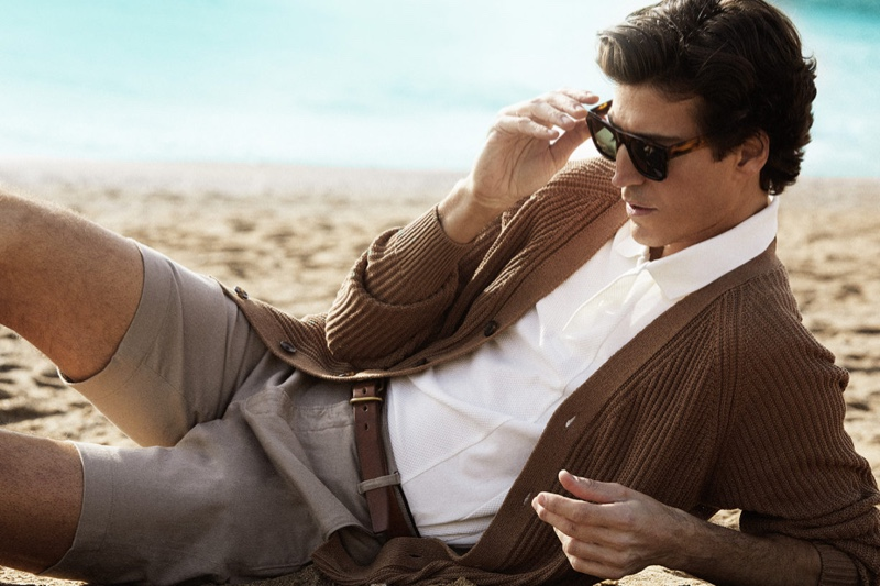 Spanish model Oriol Elcacho fronts the Mó spring-summer 2021 eyewear campaign.