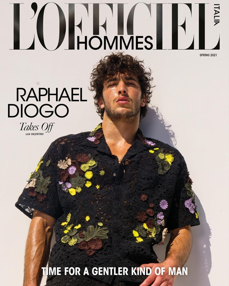 Raphael Diogo covers the spring 2021 edition of L'Officiel Hommes Italia.