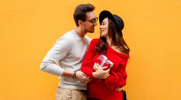 Smiling Couple Gift Style Models