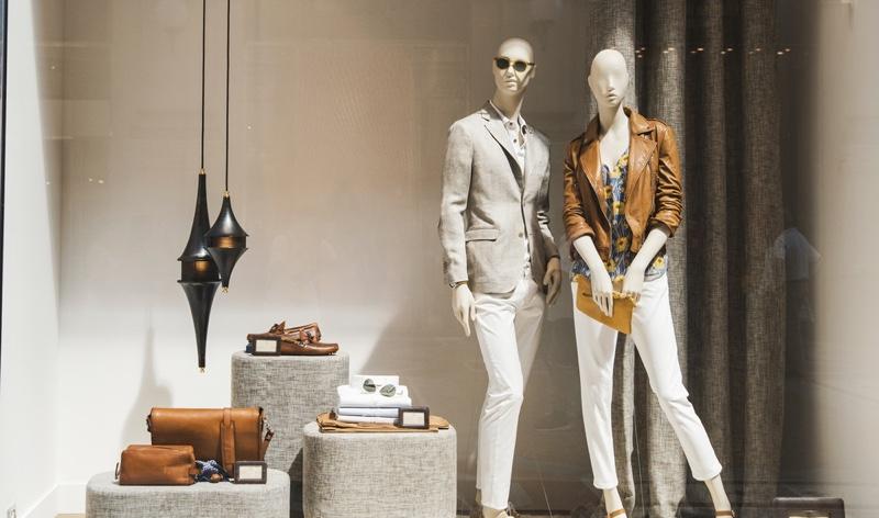 Fashion Mannequins Display Window Store