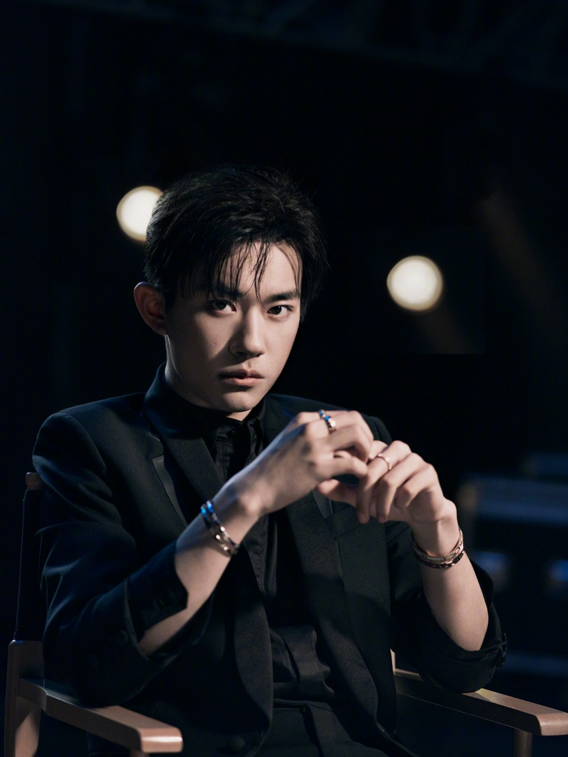 Tiffany & Co. enlists its global brand ambassador, Jackson Yee, to star in its new Atlas X collection campaign.