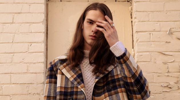 Tate Moss Dons Sleek Coats & Jackets for L'Officiel Hommes Brasil