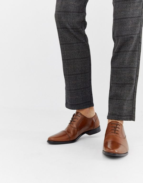 ASOS DESIGN oxford shoes in tan leather with toe cap-Brown