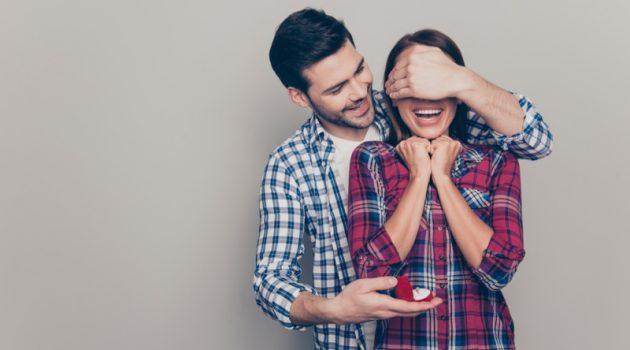 Happy Couple Engagement Ring Box