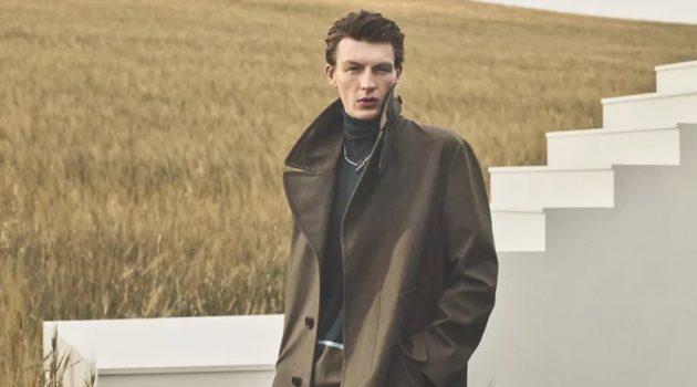 An elegant vision, Finnlay Davis fronts Hermès' fall-winter 2021 men's campaign.