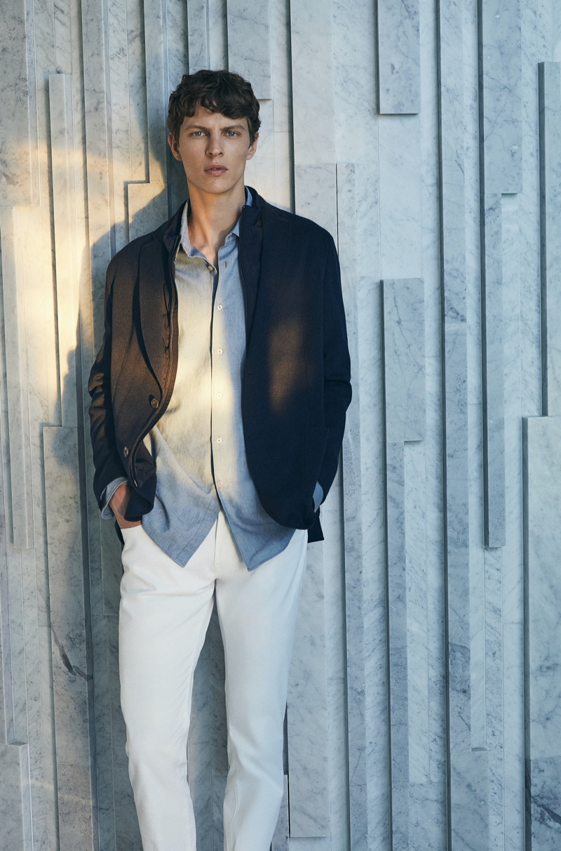 Reuniting with Massimo Dutti, Tim Schuhmacher embraces transitional style.