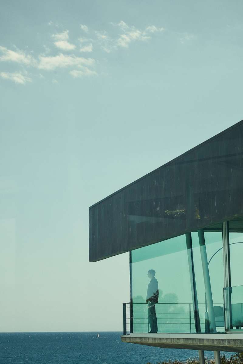Sea House: Tim Schuhmacher Inspires in Menswear from Massimo Dutti