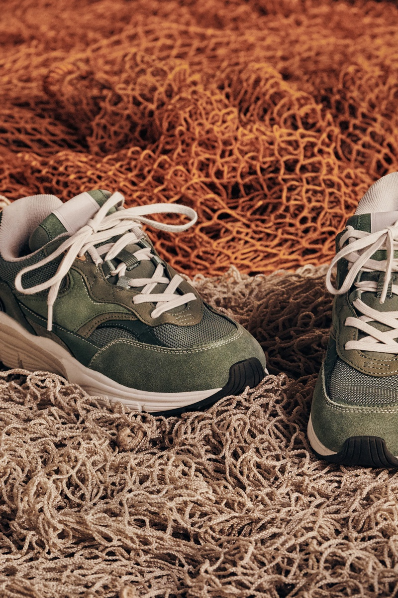 Zara channels vintage style with its green retro running shoes.