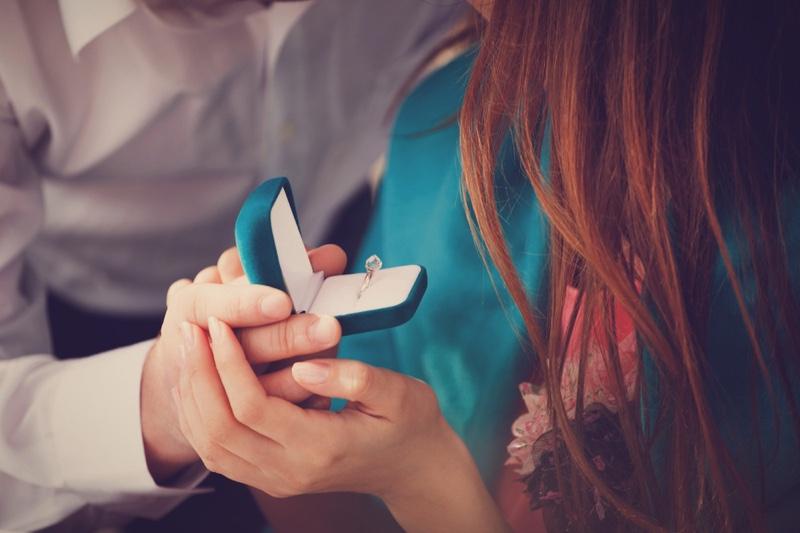 Couple Engagement Ring Blue Box