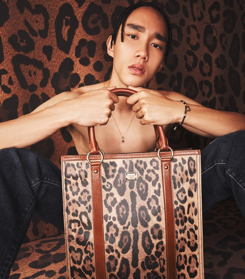 Taking hold of a leopard print shopper, Marcelo Zhang showcases Dolce & Gabbana's new Crespo Leo collection.