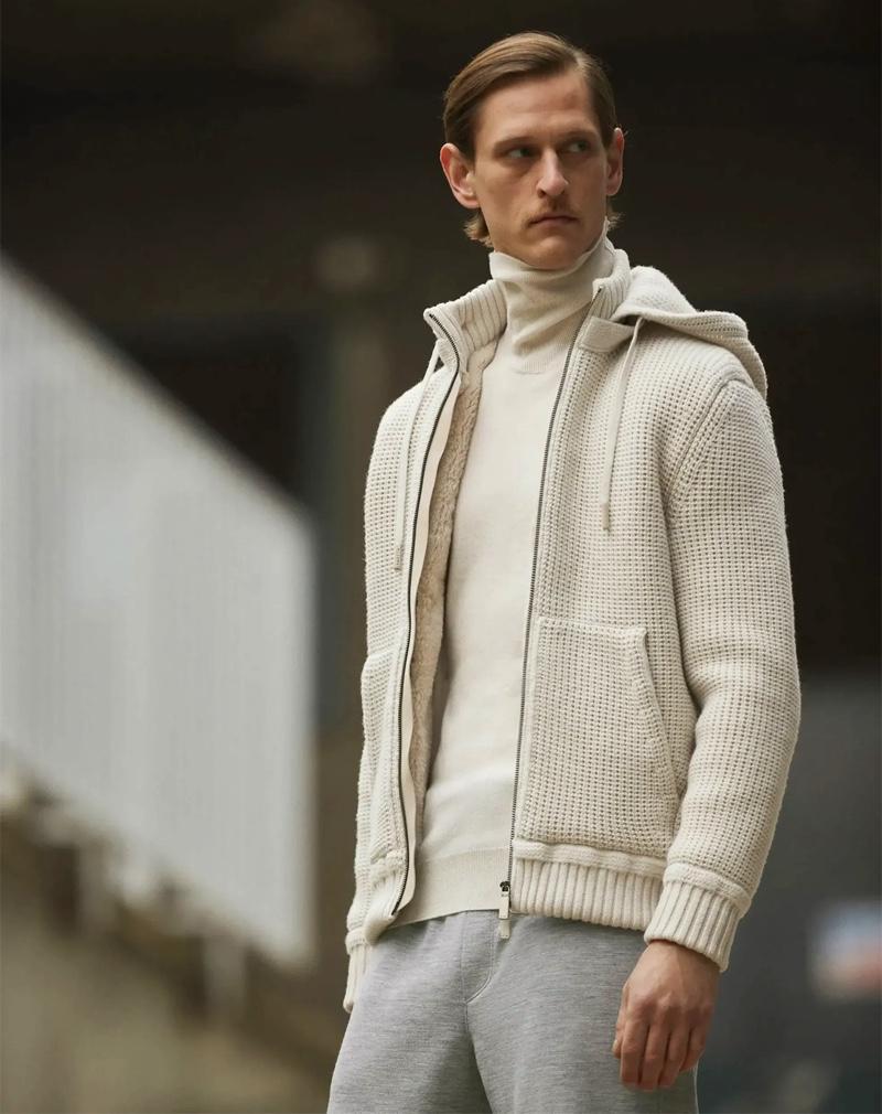 Donning knitwear for fall, Rogier Bosschaart wears Ermenegildo Zegna Made to Measure.