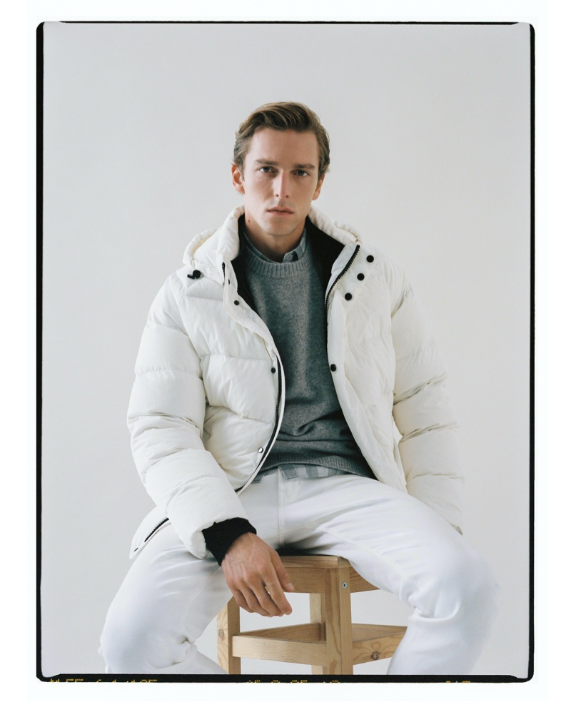 Sporting a winter white look, Quentin Demeester inspires in Massimo Dutti.