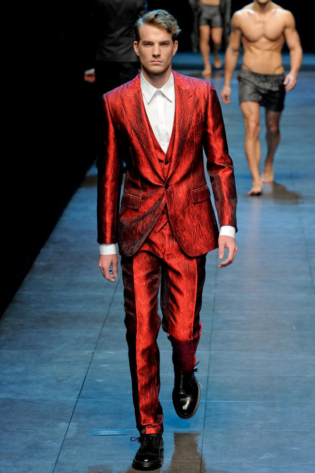 Dolce & Gabbana Fall 2011   Milan Fashion Week